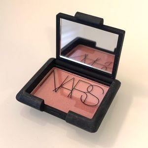NARS powder blush in Goulue
